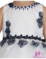 Rochita alba cu flori bleumarin
